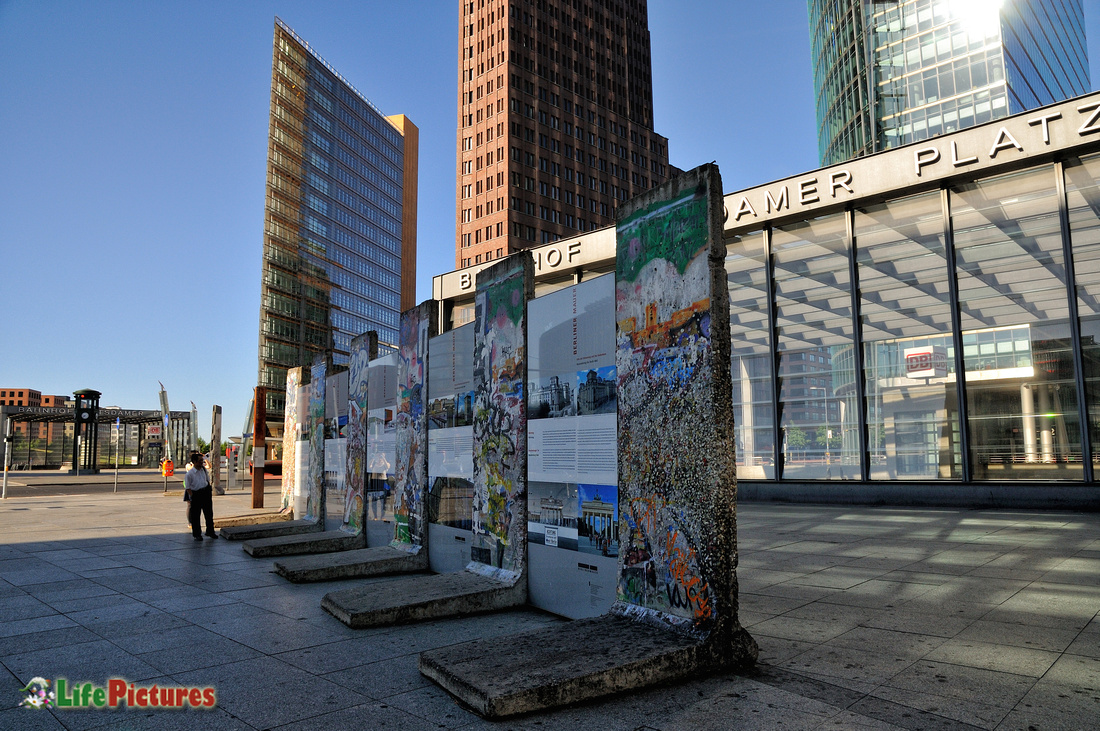 Pieces of wall in Potsdamer Platz