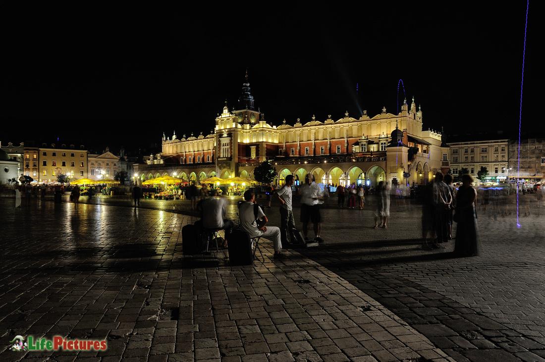 Rynek by night